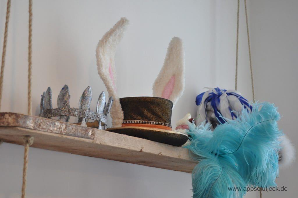 Verschiedene Hüte zu Kostümen