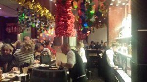 Ein Abend im Kölner Karneval in der Bar des Hotel Pullman Cologne