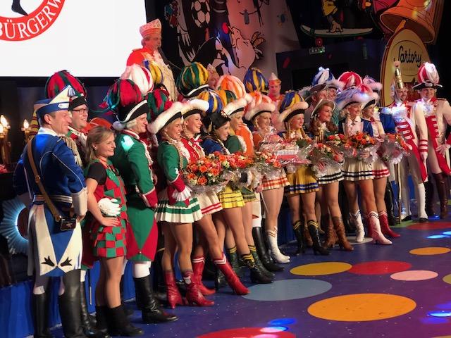 neuner-tanz, ehrengarde, prinzengarde, altstädter, blaue funken, rote funken, treuer husar, jan von werth, tanzpaare, traditionskorps, mariechen, tanzoffizier, jens hermes