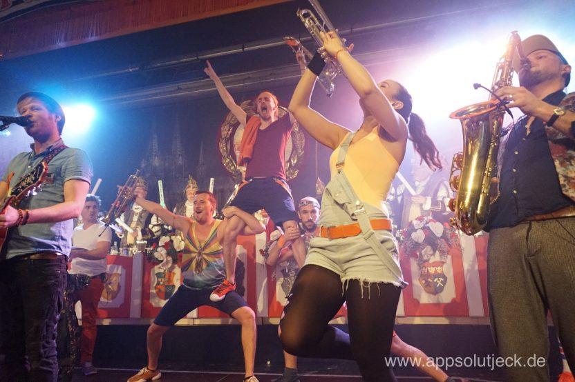 Querbeat, Kölner Karneval, Karneval 2017, Band, Brassband, Bläser, Tourbus, Köln, Loss mer Singe