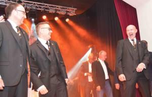 Das Kölner Dreigestirn 2018, Prinz Michael II. (Gerold), Bauer Christoph (Stock) und Jungfrau Emma (Erich Ströbel) bei der Generalversammlung der Nippeser Bürgerwehr