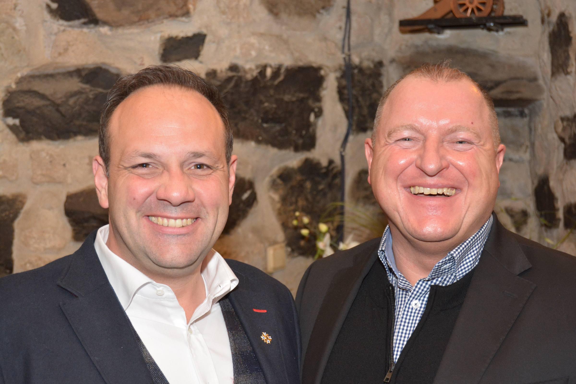 Armin Hoffmann und Björn Griesemann, Vizepräsident und Präsident der Blaue Funken